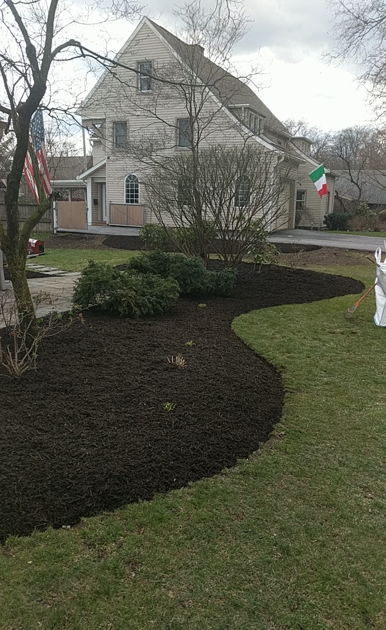Premium chocolate dyed bark mulch.